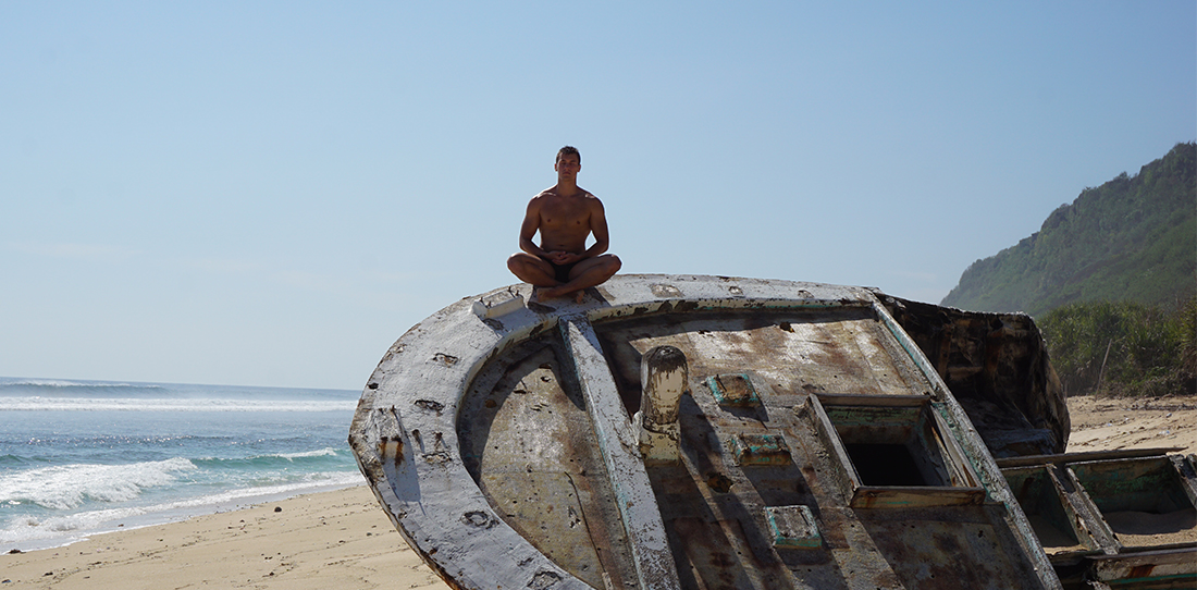 tomas-laurinavicius-beach-meditation