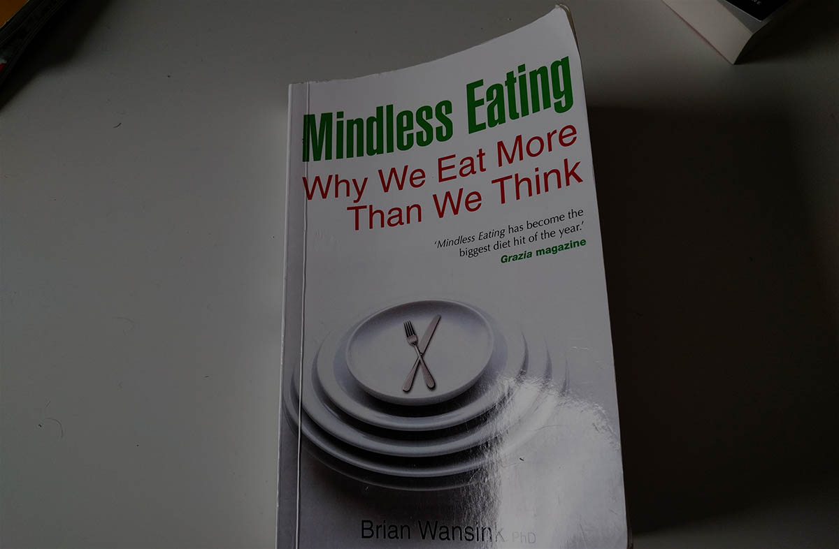 5 Practical Mindless Eating Strategies To Effortless Weightloss