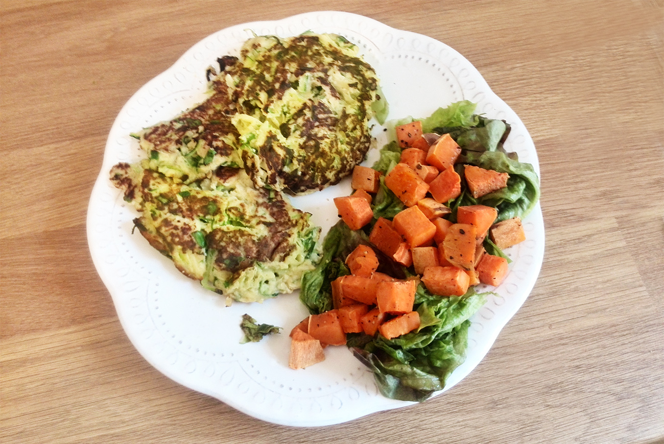 Low-Carb Summer Lunch Recipe: Zucchini Fritters